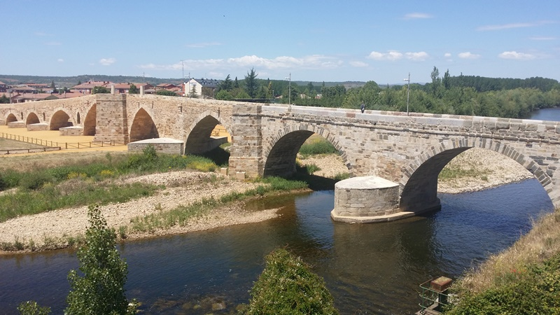 Roman bridge in León Spain