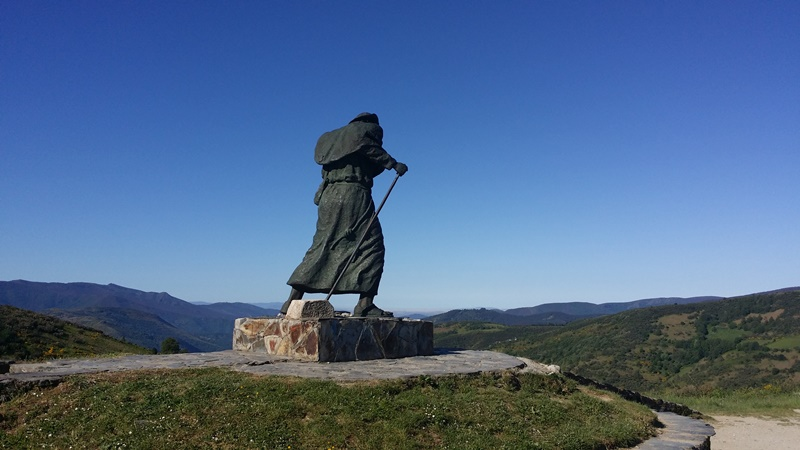 Pilgrim Statue Alto do San Roque